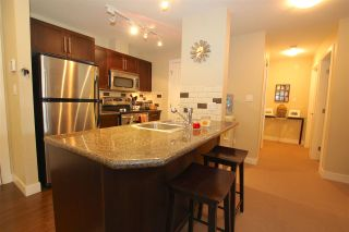 "Photo 7: 401 2468 ATKINS Avenue in Port Coquitlam: Central Pt Coquitlam Condo for sale in ""THE BORDEAUX"" : MLS®# R2000913"