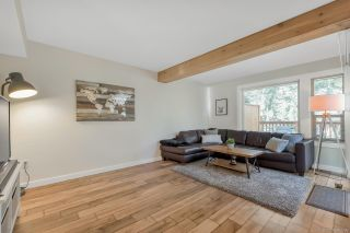 """Photo 3: 1843 LILAC Drive in Surrey: King George Corridor Townhouse for sale in """"Alderwood"""" (South Surrey White Rock)  : MLS®# R2443102"""