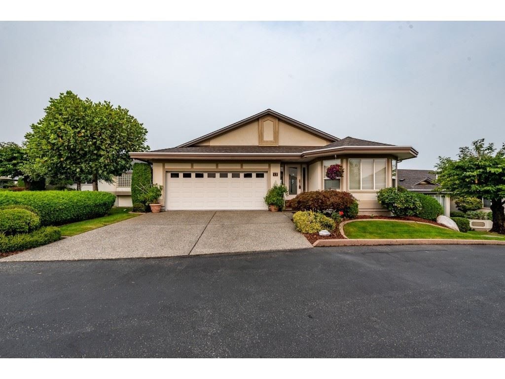 """Main Photo: 13 31445 RIDGEVIEW Drive in Abbotsford: Abbotsford West House for sale in """"Panorama Ridge"""" : MLS®# R2500069"""
