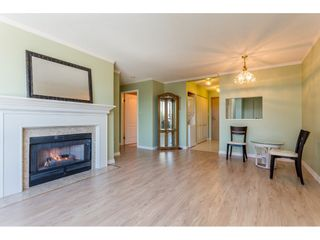 """Photo 6: 410 15111 RUSSELL Avenue: White Rock Condo for sale in """"Pacific Terrace"""" (South Surrey White Rock)  : MLS®# R2127847"""