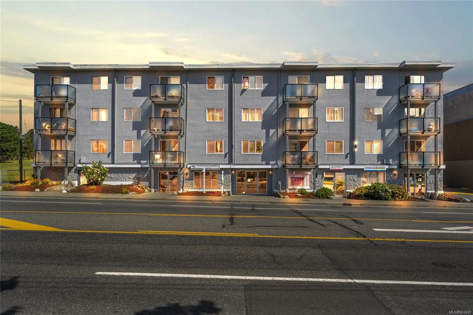 Main Photo: 302 904 Hillside Ave in : Vi Hillside Condo for sale (Victoria)  : MLS®# 883041
