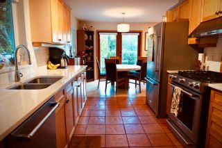 Photo 8: 954 FEENEY Road in Gibsons: Gibsons & Area House for sale (Sunshine Coast)  : MLS®# R2624754