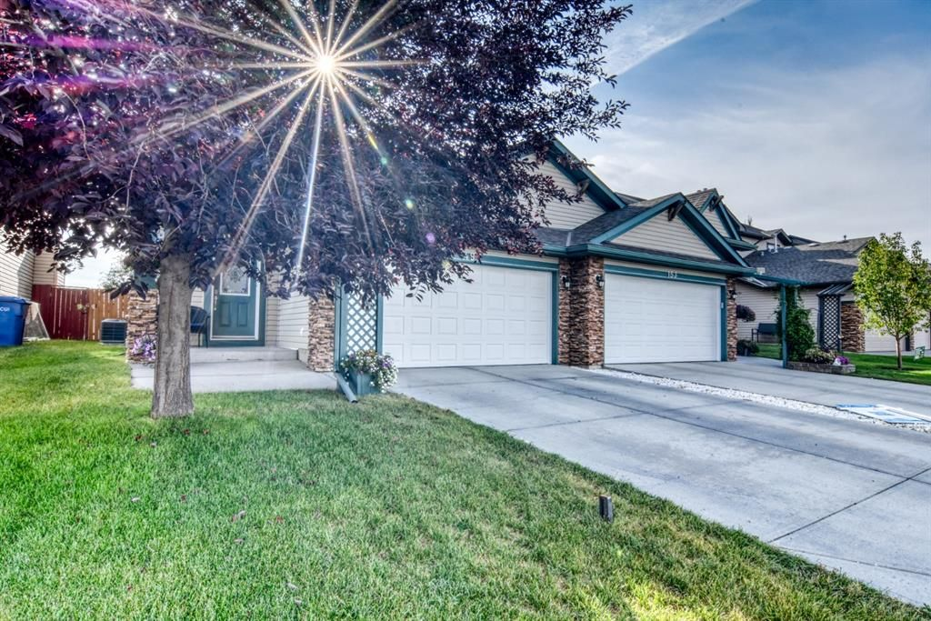 Main Photo: 149 West Lakeview Point: Chestermere Semi Detached for sale : MLS®# A1122106