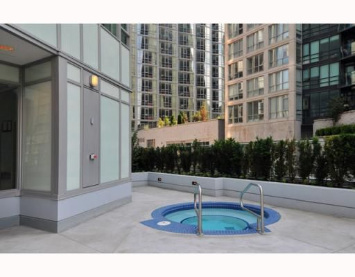 """Photo 10: Photos: 2701 1188 W PENDER Street in Vancouver: Coal Harbour Condo for sale in """"SHAPPHIRE"""" (Vancouver West)  : MLS®# V790032"""