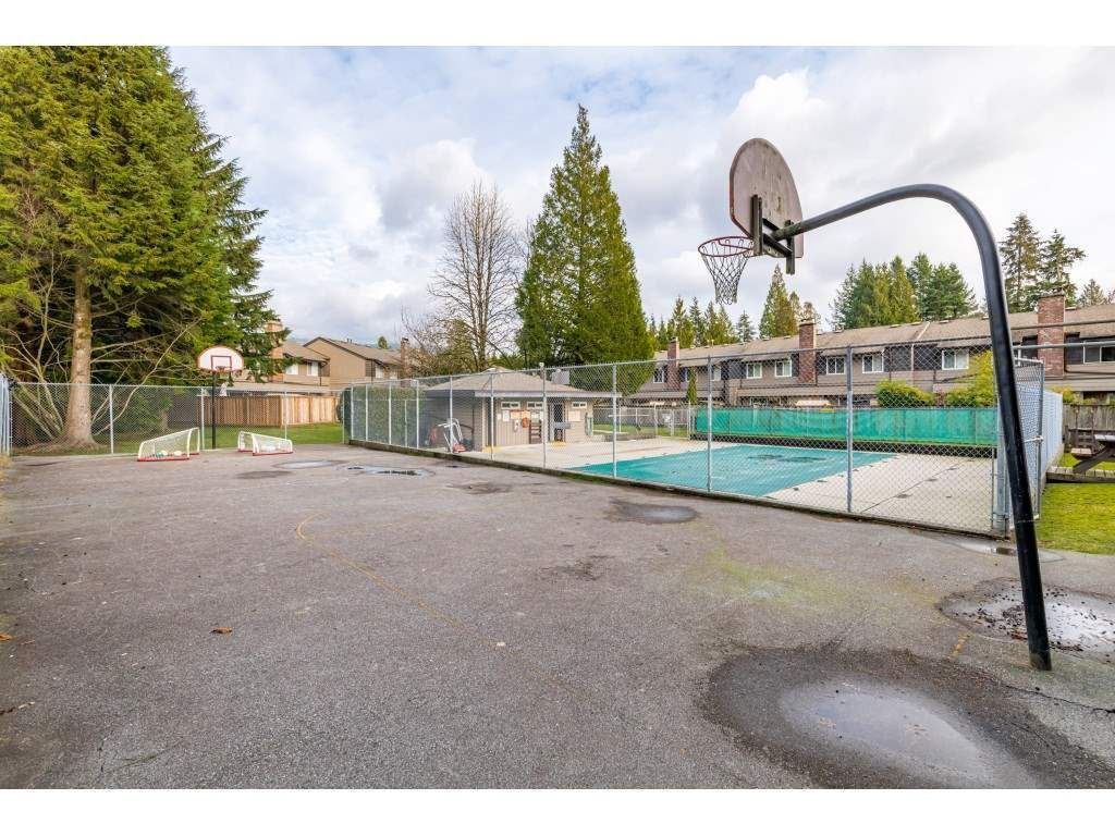 "Photo 36: Photos: 2393 MOUNTAIN Highway in North Vancouver: Lynn Valley Townhouse for sale in ""WORKWOOD PARK"" : MLS®# R2532253"