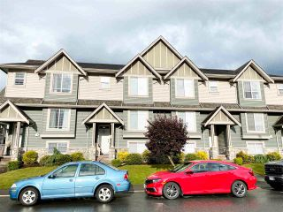 """Photo 2: 3 6498 SOUTHDOWNE Place in Chilliwack: Sardis East Vedder Rd Townhouse for sale in """"Village Green"""" (Sardis)  : MLS®# R2588764"""
