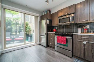 """Photo 5: 104 2110 ROWLAND Street in Port Coquitlam: Central Pt Coquitlam Townhouse for sale in """"AVIVA ON THE PARK"""" : MLS®# R2168071"""