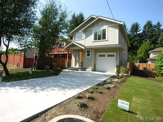 Photo 1: 2302 Belair Rd in VICTORIA: La Thetis Heights House for sale (Langford)  : MLS®# 675150