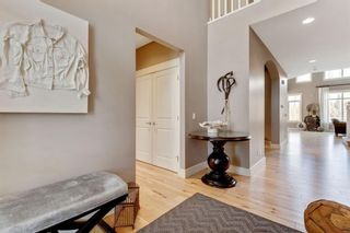 Photo 4: 7 Discovery Ridge Point SW in Calgary: Discovery Ridge Detached for sale : MLS®# A1093563