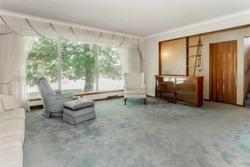 Photo 12: Photos: 128 Sterling Avenue in Winnipeg: Meadowood Residential for sale (2E)  : MLS®# 202011390