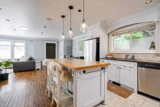 """Photo 11: 850 PARKER Street: White Rock House for sale in """"EAST BEACH"""" (South Surrey White Rock)  : MLS®# R2587340"""