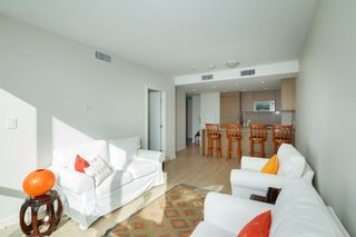 "Photo 5: 704 112 E 13TH Street in North Vancouver: Lower Lonsdale Condo for sale in ""CENTREVIEW"" : MLS®# R2243856"