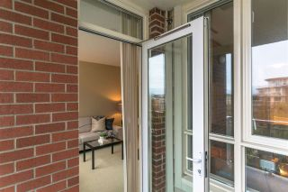 """Photo 6: 513 4078 KNIGHT Street in Vancouver: Knight Condo for sale in """"KING EDWARD VILLAGE"""" (Vancouver East)  : MLS®# R2154566"""