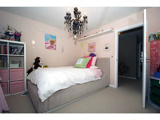"Photo 13: 458 SHANNON Way in Tsawwassen: Pebble Hill House for sale in ""TSAWWASSEN HEIGHTS"" : MLS®# V1052172"