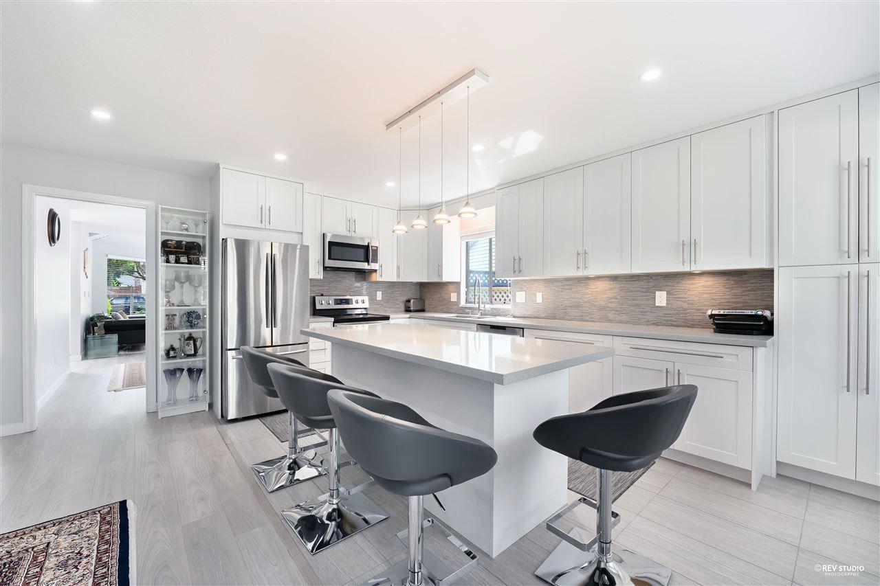 Photo 10: Photos: 15423 93 Avenue in Surrey: Fleetwood Tynehead House for sale : MLS®# R2488101