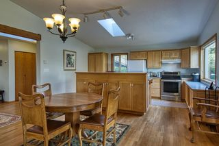 Photo 9: 1212 GOWER POINT Road in Gibsons: Gibsons & Area House for sale (Sunshine Coast)  : MLS®# R2605077