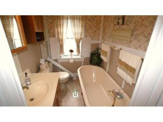 Photo 16: 495 Camden Place in Winnipeg: Residential for sale