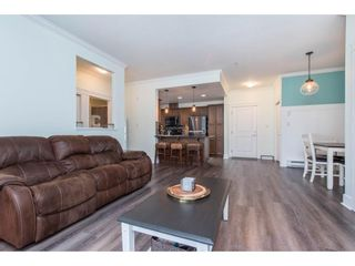 """Photo 18: 106 2068 SANDALWOOD Crescent in Abbotsford: Central Abbotsford Condo for sale in """"The Sterling"""" : MLS®# R2590932"""