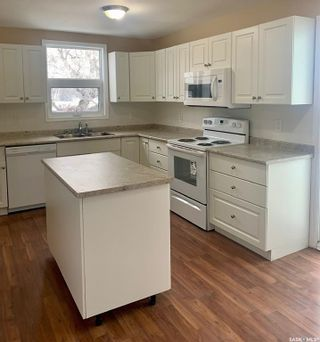 Photo 2: 310 Railway Avenue in Abernethy: Residential for sale : MLS®# SK864835