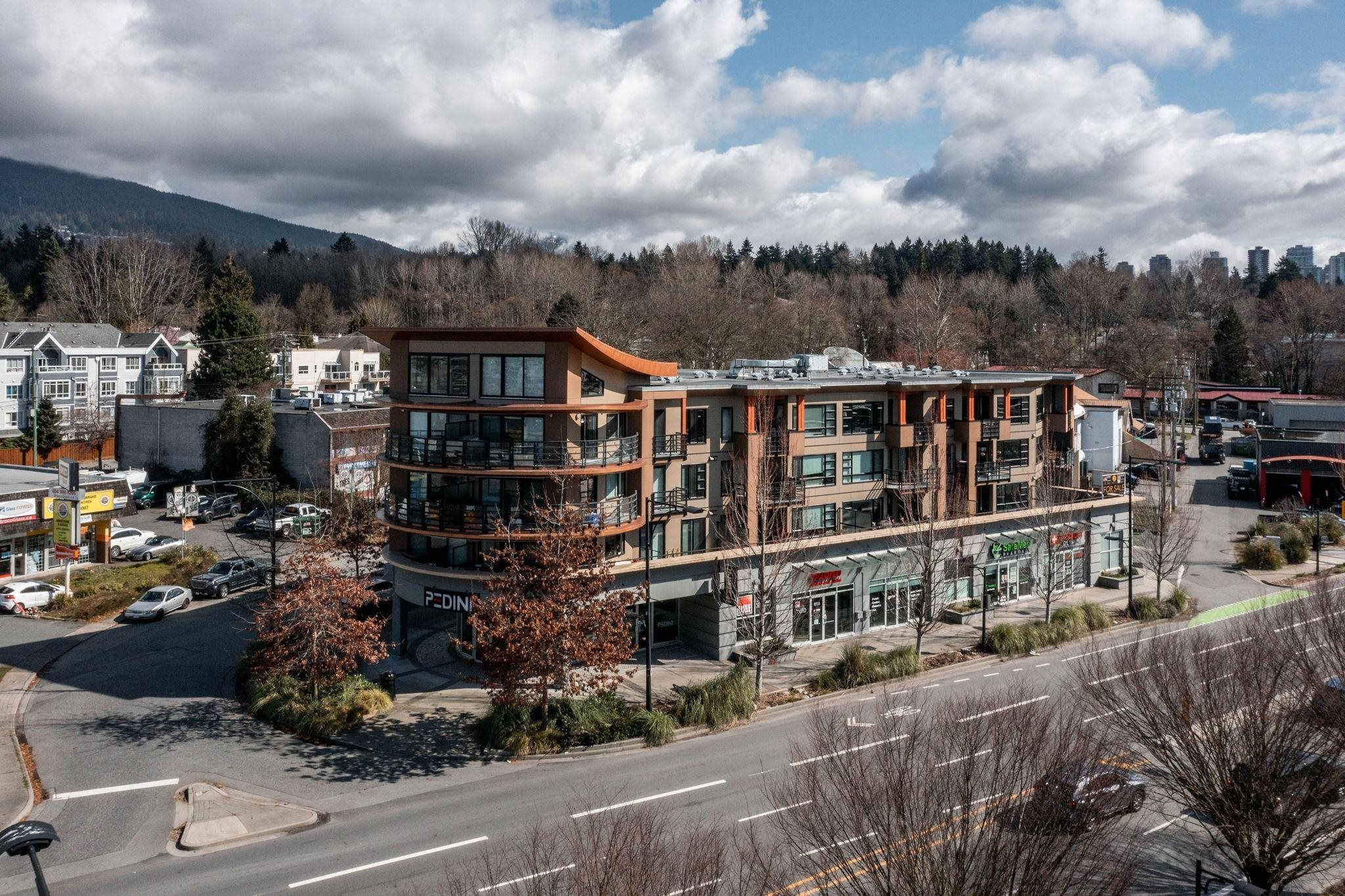 """Main Photo: 407 857 W 15TH Street in North Vancouver: Mosquito Creek Condo for sale in """"The Vue"""" : MLS®# R2609311"""