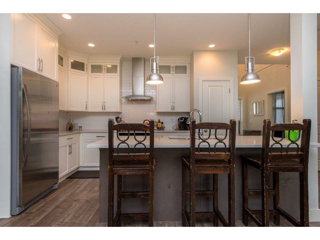 Photo 4: Photos: 50323 SIENNA Avenue in Chilliwack: Eastern Hillsides House for sale : MLS®# R2370269
