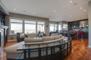 Photo 4: 2533 77 Street SW in Calgary: Springbank Hill Detached for sale : MLS®# A1065693