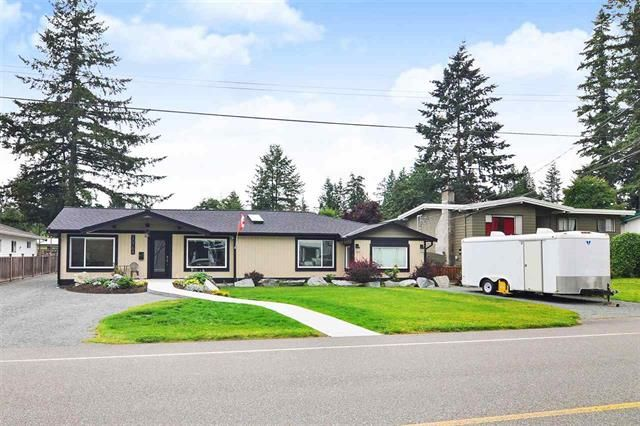 Main Photo: 20768 39 Avenue in Langley: Brookswood Langley House for sale ()  : MLS®# R2471858