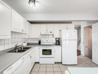 Photo 10: 45 Patina Park SW in Calgary: Patterson Row/Townhouse for sale : MLS®# A1101453