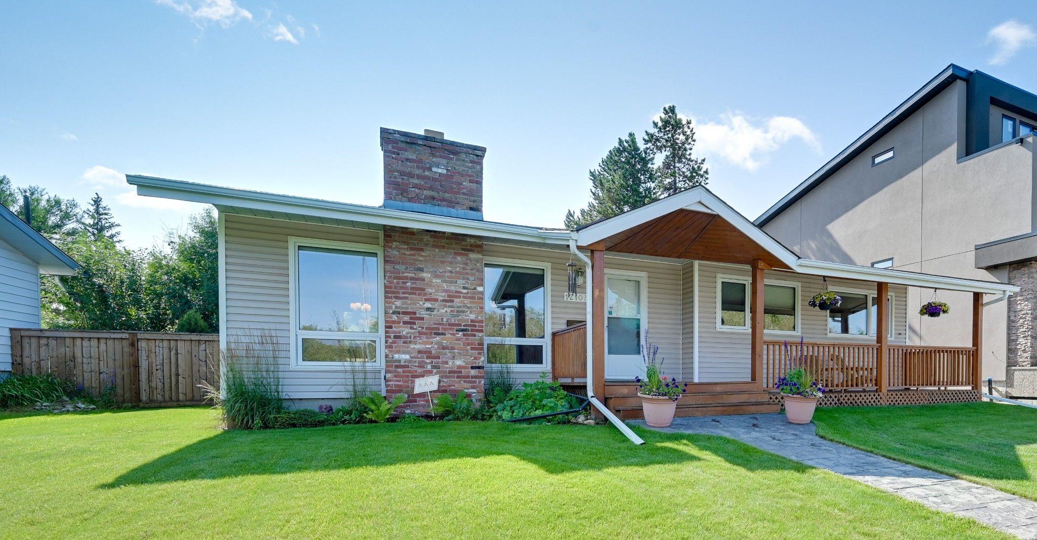 Main Photo: 12107 Aspen Drive in Edmonton: House for sale