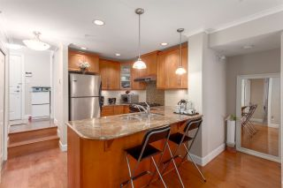 """Photo 2: 206 2103 W 45TH Avenue in Vancouver: Kerrisdale Condo for sale in """"The Legend"""" (Vancouver West)  : MLS®# R2245216"""