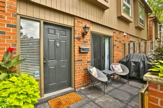 Photo 3: 7 3122 Lakeshore Road West in Oakville: Condo for sale : MLS®# 30762793