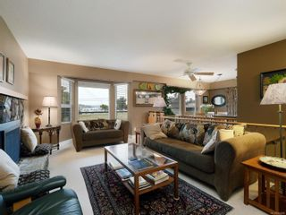 Photo 2: 10446 Resthaven Dr in : Si Sidney North-East House for sale (Sidney)  : MLS®# 855838