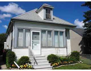 Photo 1: 222 QUEEN Street in WINNIPEG: St James Residential for sale (West Winnipeg)  : MLS®# 2815199