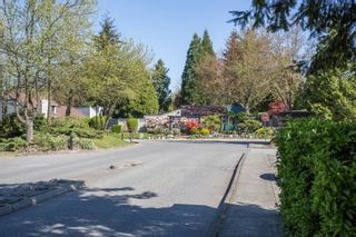 """Photo 19: 6109 GREENSIDE Drive in Surrey: Cloverdale BC Townhouse for sale in """"Greenside Estates"""" (Cloverdale)  : MLS®# R2264200"""