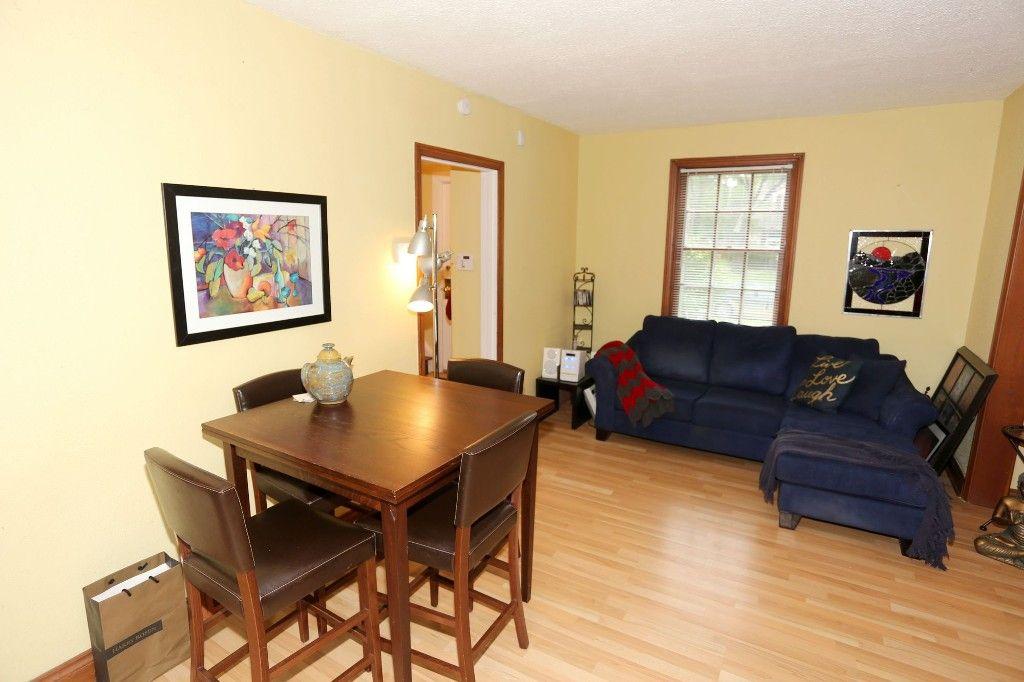 Photo 10: Photos: 834 Oakenwald Avenue in Winnipeg: Fort Garry Single Family Detached for sale (1J)  : MLS®# 1718606