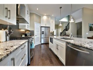 Photo 7: 931 33 Street NW in Calgary: Parkdale House for sale : MLS®# C4003919