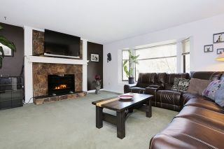 """Photo 3: 5807 170A Street in Surrey: Cloverdale BC House for sale in """"JERSEY HILLS"""" (Cloverdale)  : MLS®# R2036586"""