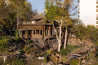 Photo 4: 9905 115 Street in Edmonton: Zone 12 House for sale : MLS®# E4266524