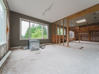 Photo 8: 115 MOUNTAIN Drive: Lions Bay House for sale (West Vancouver)  : MLS®# R2561948