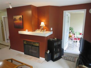 Photo 3: 228 1252 TOWN CENTRE Boulevard in Coquitlam: Canyon Springs Condo for sale : MLS®# R2094814