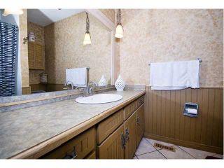 Photo 9: 7027 18 Street SE in CALGARY: Lynnwood Riverglen Residential Detached Single Family for sale (Calgary)  : MLS®# C3553776