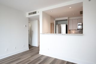 """Photo 4: 2005 590 NICOLA Street in Vancouver: Coal Harbour Condo for sale in """"The Cascina - Waterfront Place"""" (Vancouver West)  : MLS®# R2556360"""