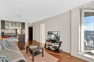 """Photo 5: 1504 3333 CORVETTE Way in Richmond: West Cambie Condo for sale in """"Wall Centre at the Marina"""" : MLS®# R2535983"""