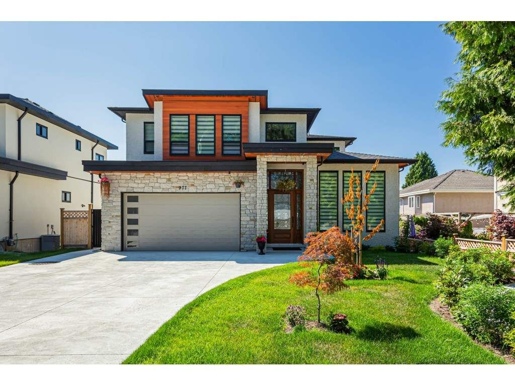 Main Photo: 977 164 Street in Surrey: Pacific Douglas House for sale (South Surrey White Rock)  : MLS®# R2490066