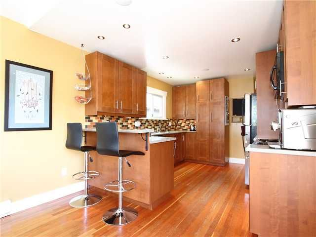 Photo 7: Photos: 2985 E GEORGIA Street in Vancouver: Renfrew VE House for sale (Vancouver East)  : MLS®# V956527