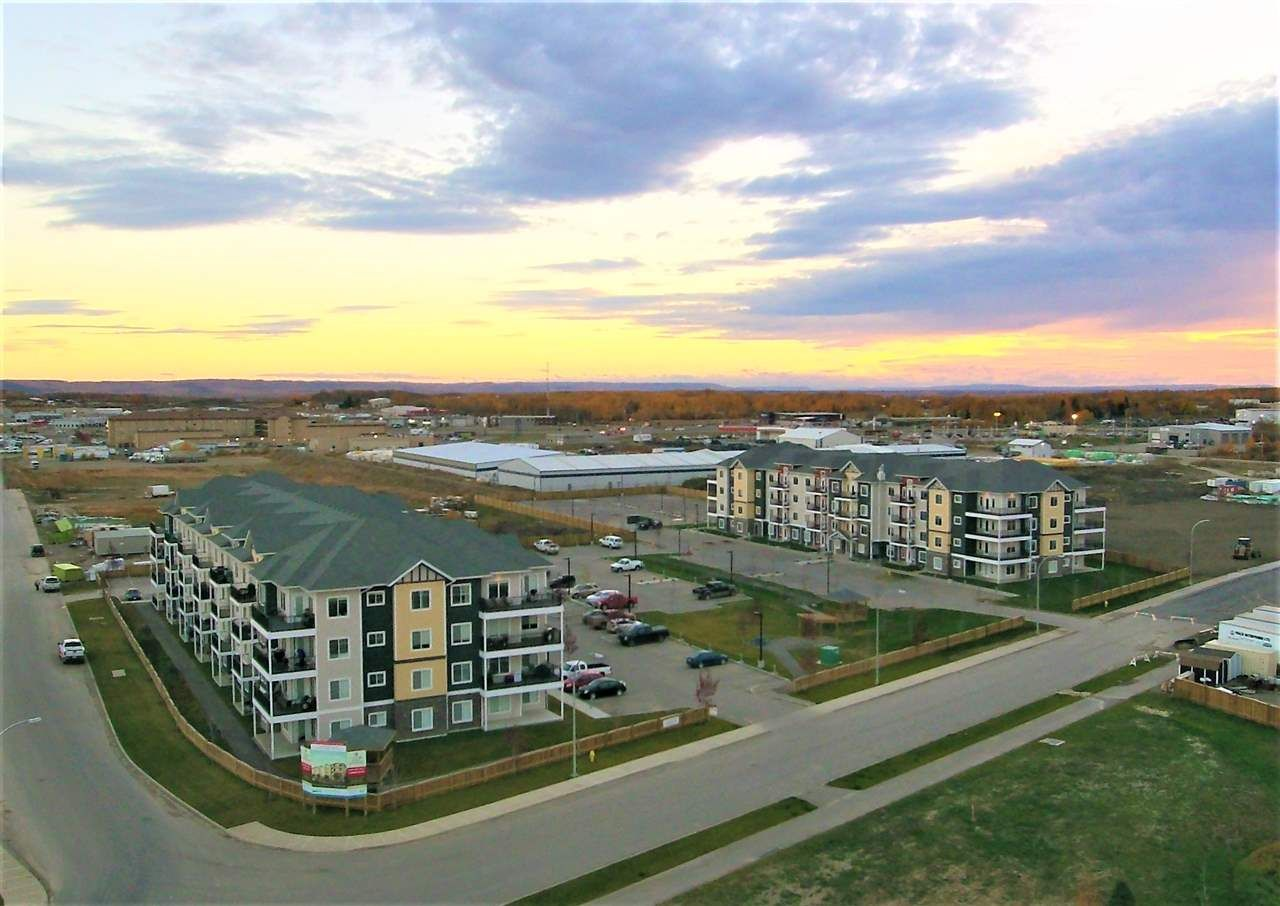 Main Photo: 404 11203 105 AVENUE in : Fort St. John - City NW Condo for sale : MLS®# R2242728