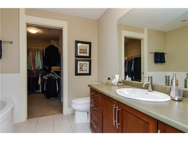 """Photo 19: Photos: 210 5430 201 Street in Langley: Langley City Condo for sale in """"THE SONNET"""" : MLS®# F1418321"""