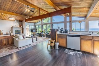 Photo 2: 567 Bayview Dr in : GI Mayne Island House for sale (Gulf Islands)  : MLS®# 851918