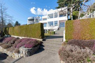 """Photo 1: 2125 LAWSON Avenue in West Vancouver: Dundarave House for sale in """"Dundarave"""" : MLS®# R2329676"""