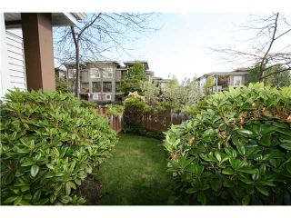 """Photo 2: 7 7100 LYNNWOOD Drive in Richmond: Granville Townhouse for sale in """"LAUREL WOOD"""" : MLS®# V891072"""